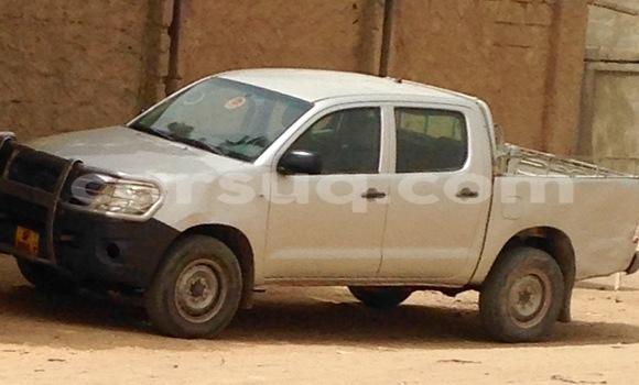 Acheter Voiture Toyota Hilux Gris à N'Djamena en Tchad