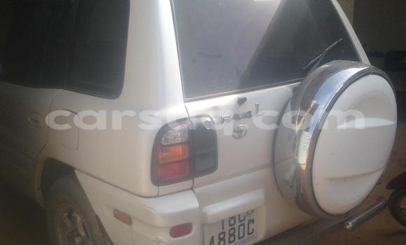 Acheter Voiture Toyota RAV4 Blanc à N'Djamena en Tchad