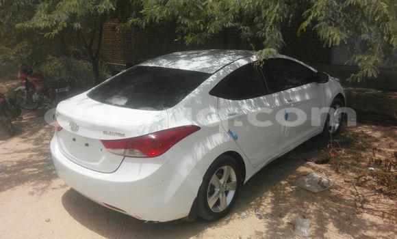 Acheter Voiture Hyundai Elantra Noir à N'Djamena en Tchad